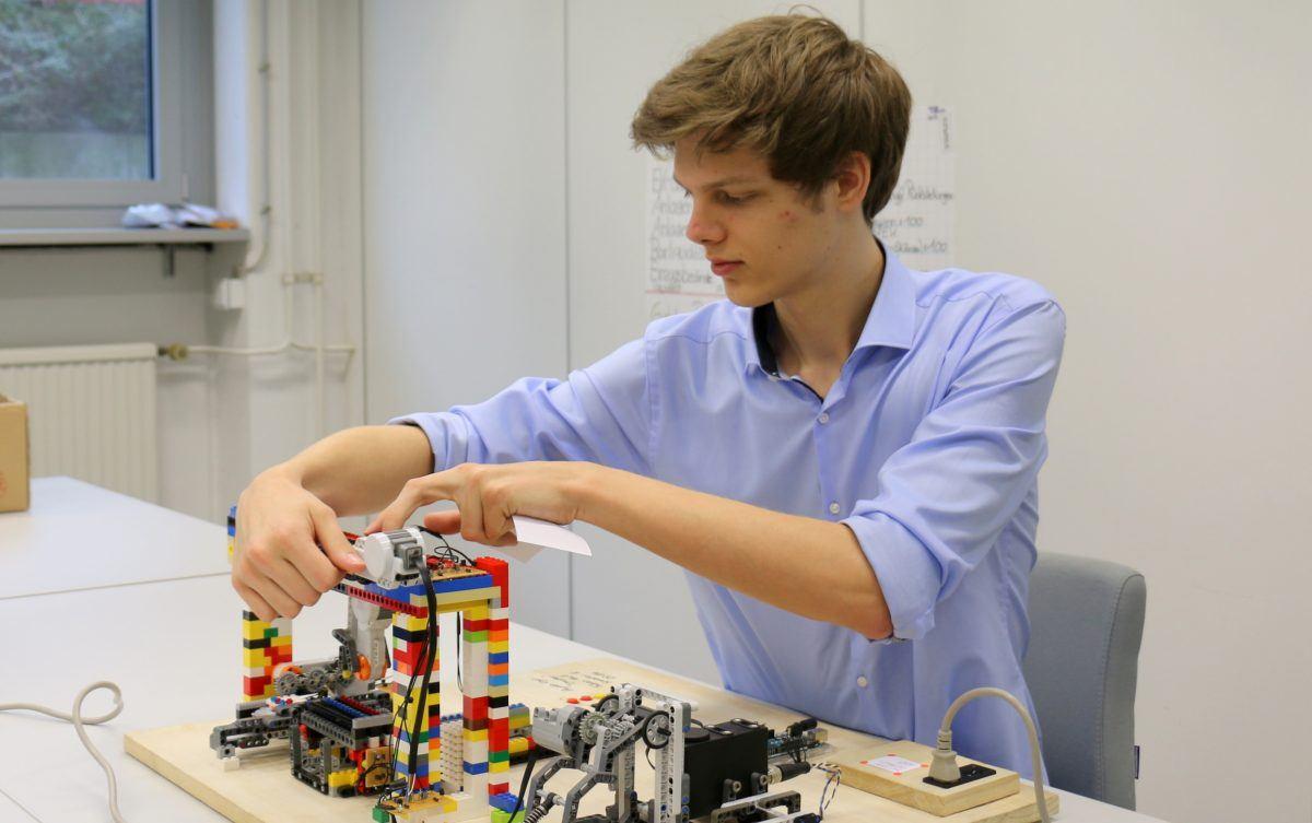 Mein 3D-Drucker aus LEGO-Steinen